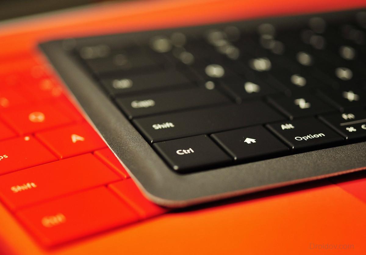 universal-foldable-keyboard-thin-profile