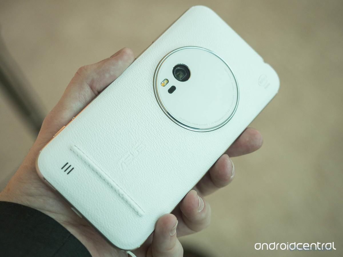 zenfone-zoom-back-white