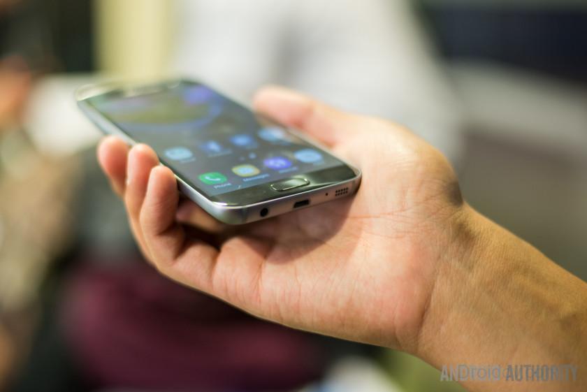 Samsung-Galaxy-S7-8-840x561