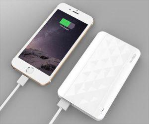 Айфон заряжается от Power bank
