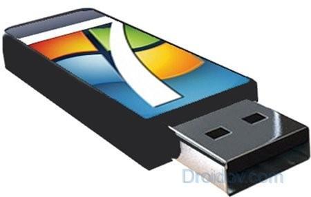 Как сделать загрузочную флешку для Windows 7 и 10