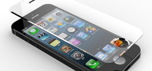 Клеим стекло на смартфон